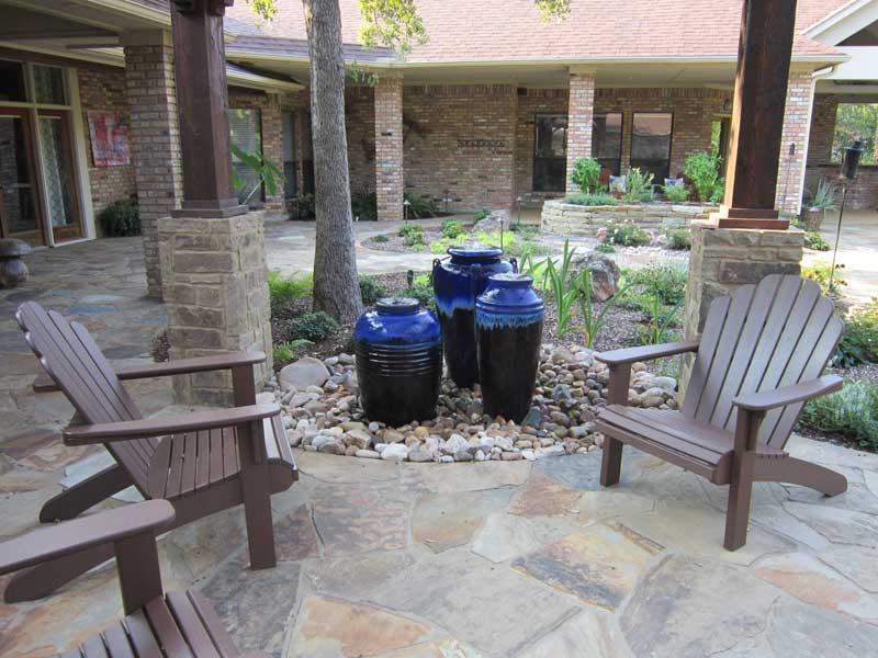 Fountain 3 blue pots
